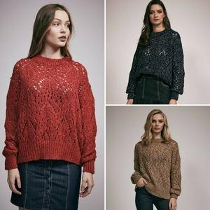 I ❤️ PUNTO Nos encantan los jerseys de punto, caladitos y... PRECIOSOS! El #jersey Fani, recién llegado a tienda, es ideal para combinarlo tanto con unos jeans como con falda.  Disponible en rojo, azul y marrón.  ¿Cuál es tu color?  #jerseyfani #jerseypunto #alaiamoda #modamujeronline #alaiastyle #punto #lookpunto #moda #boho #chic #new #newarrivals #newcollection