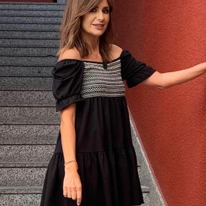 ¡Ideal Gema López con el vestido Fiorella! ❤️😍 Un vestido super favorecedor y... ¡disponible en 2 colores! Chicas, si este os gusta, en granate os encantará. 😀  Disponible en web. Envíos en 24/48 horas.  #alaiamoda #alaiajorgejuan #modaboho #boho #chic #vestidocorto #vestidoboho #modachic #instagirl #bohostyle #alaiastyle #vestidos #vestidosqueenamoran #newarrivals #newcollection #modavalencia #modaonline