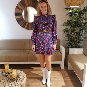 ♥️ Clientas B O N I T A S ♥️ Guapísima @soypaulaserrano con el Bloom Dress. ¡Estás ideal!  El color y estampado te sienta fenomenal.   ¡Nos encanta veros así de felices! 😍  #alaiamoda #modamujer #boho #bohostyle #bloomdress #vestidoestampado #chic #vestidocorto #moda #modaonline #rebajas #rebajasmoda