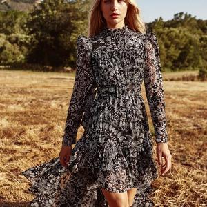 ❇️ DAKOTA DRESS ❇️ Otro vestido con estampado bohemio de mandalaa que ha sido todo un éxito. Lo agotasteis en blanco en tiempo récord. Normal! Es precioso!  Última unidad en este color. (talla S). Disponible en www.alaiamoda.es  #alaiamoda #modamujeronline #modaotoño #vestidoboho #vestidoestampado #boho #chic #bohemio #asimetrico #new #aliastyle #alaiajorgejuan #bohochic
