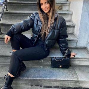 ❇️ NOVEDAD ❇️ Buenos días! Ya os la enseñamos ayer por Stories y os ha encantado! ❤️ Chaqueta Liverpool, recién llegada a Alaia y ya disponible en web también.  Que haga frío no significa renunciar a vestir con elegancia. Con esta #chaqueta vamos ideales y... ¡calentitas! Además... Con descuento ya aplicado!!! 😃😃🎉🎉  #alaiamoda #chaquetas #cazadora #new #newcollection #newarrivals #modamujer #modaonline #boho #chic #modachic #modaboho #alaiajorgejuan