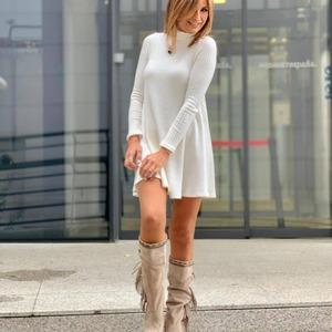 El Vestido Teresa nos tiene enamoradas 😍 y no solo a nosotras! Guapísima Gema López! Todo un acierto!! ❤️❤️  Disponible en www.alaiamoda.es  #vestidoteresa #vestidosqueenamoran #modamujer #newarrivals #newcollection #otoñoinvierno #instagirl #chic
