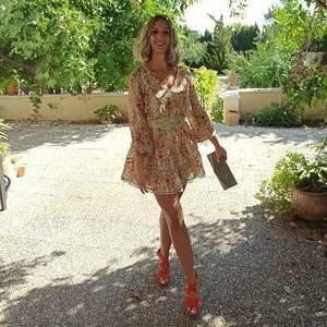 Nos encanta ver lo preciosas que estáis!! ❤️ Guapísima con el vestido Pieve. ¡Deslumbrante! 😍😍😍😍 Gracias por confiar en Alaia 😘  #alaiajorgejuan #alaiamoda #clientasbonitas #vestidocorto #vestodoeventos #boho #modaboho #bohostyle #modamujer